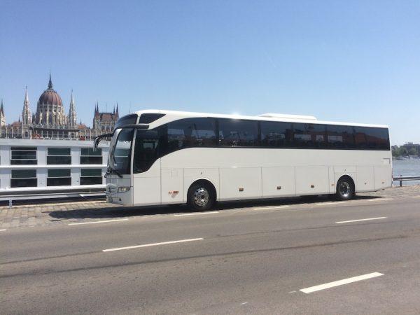 Mercedes Turismo autóbusz közvetítése Budapest
